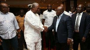 John Dramani Mahama (L) and Nana Addo Dankwa Akufo-Addo