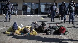 Looting in South Africa: Wetin dey behind riots, looting for Kwazulu-Natal, Gauteng