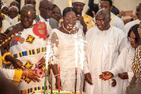 Dr Bawumia with Otumfuo and his family