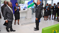 President Akufo-Addo tours the new Standard Chartered HO