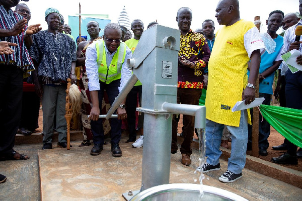 Managing Director of Vivo Energy Ghana, Mr Ben Hassan Ouattara Commissioning the projects