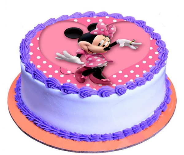 Who loves a yummy cake?