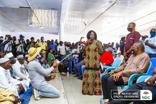 Wa Naa blesses Naana Jane as she pays homage to the people of Wa