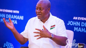 Mahama Speaks With Young Entrepreneurs 8 1024x683 1 1024x570