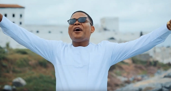 Adjekwei Mensah has dropped a video for his new song