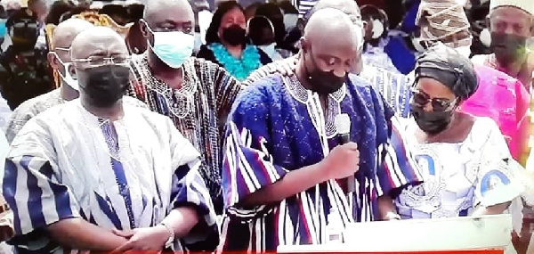 Family of Veep perform 'Adua' of late Hajia Bawumia