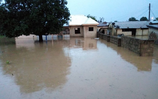 file photo: Dr. Bawumia donated items and GHC5000 each to Bagre Dam spillage victims