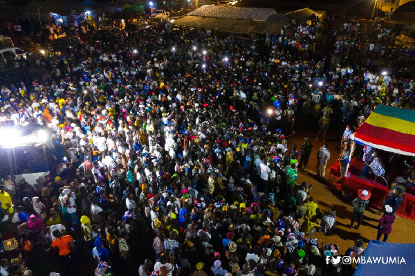 Bawumia mobbed at Langbinsi, says it's a sign of massive win for NPP
