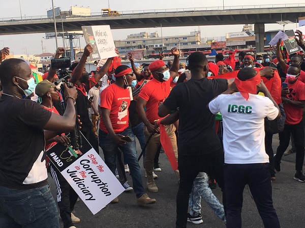Hundreds of Ghanaian youth turn up for #FixTheCountry demo on Founders' Day