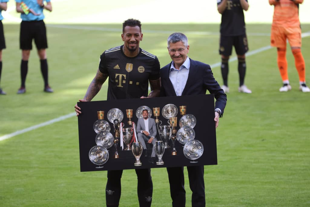 Champions Bayern Munich bid legend Jerome Boateng farewell | Video