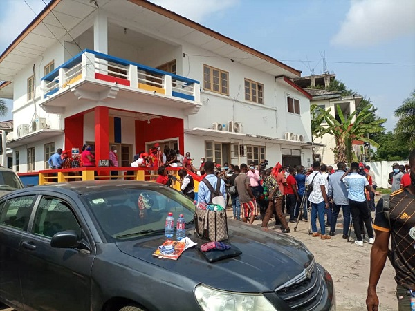 Angry Hearts of Oak fans storm club secretariat to demonstrate against management 2