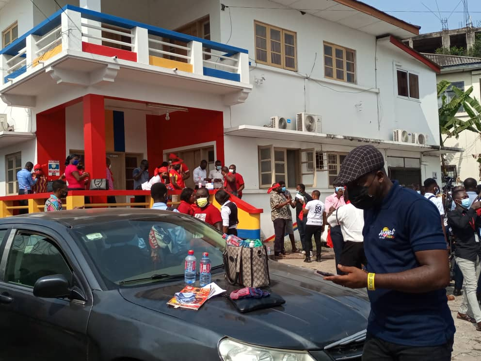 Angry Hearts of Oak fans storm club secretariat to demonstrate against management 3