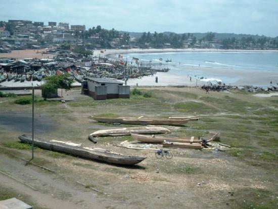 the making of kanoes (Elmina)