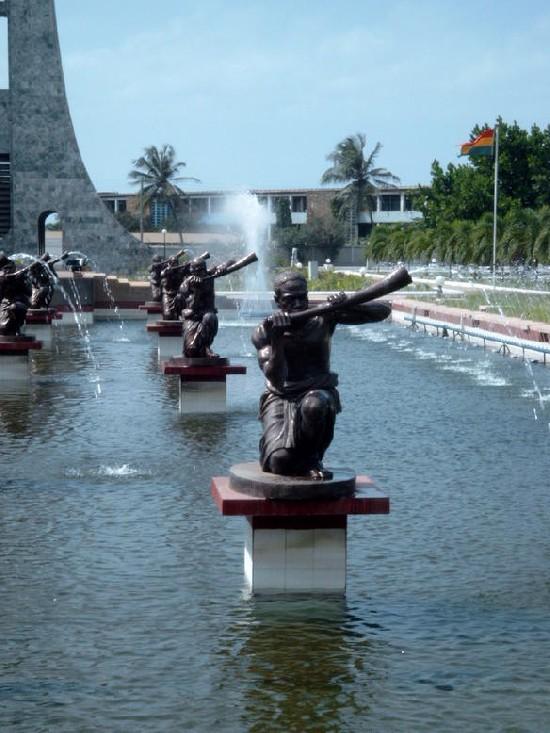 hornblowers @ nkrumah mausoleum
