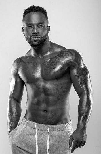 Iyanya's steamy photos rank high on 'ManCrush' list