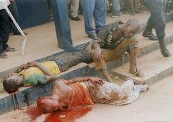 Mob Justice@Kotobabi: 3 Robbers Beaten By Mob