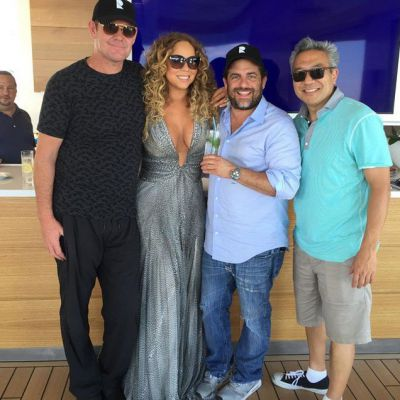 Mariah Carey posts photo with James Packer: Checkout my new man!