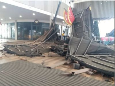 Kumasi mall roof caves in
