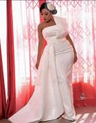 5 times actress Zynnell Zuh attended weddings, looking like the bride