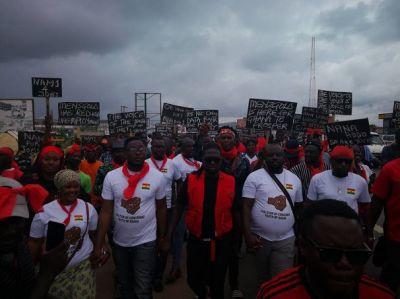 Akoo Nana, Kasoa youth demonstrate over Menzgold brouhaha