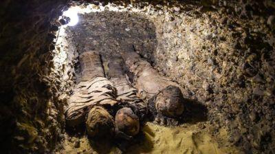 Egypt mummies: New tombs found in Minya