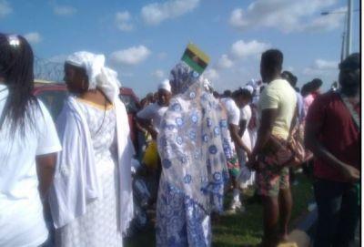 Huge crowd anticipates Otumfour's arrival at Kumasi airport
