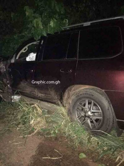 Seven die after Collins Dauda's landcruiser and taxi crashed