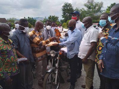 Dr. Yaw Adu Ampomah donates 35 motorbikes to NPP campaign team in Eastern Region