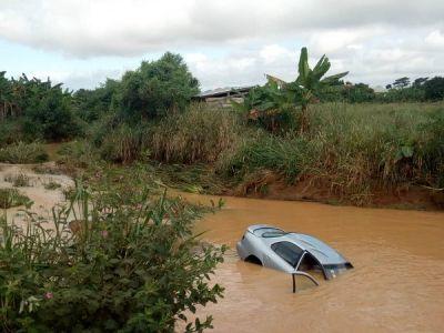 Six drown after car submerged in flood waters in Ashanti region