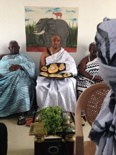 Emmanuel 'Game Boy' Tagoe presents IBO title to Ga Mantse