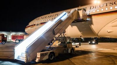 Merkel's plane makes unscheduled landing after technical hitch