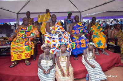 Ellembelle DCE supports Awulea Amihere Kpanyinli Educational Scholarship with Ghc10,000