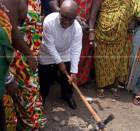 Volta Regional Minister cuts sod for construction of Kente village