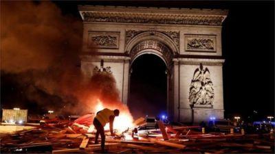 France fuel unrest: 'Shame' on violent protesters, says Macron